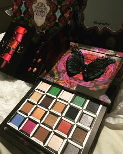 Alice Through The Looking Glass palette by Urban Decay